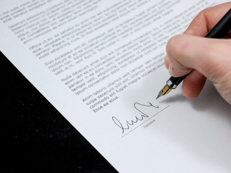 Essential Considerations Before Signing a Shareholders' Agreement